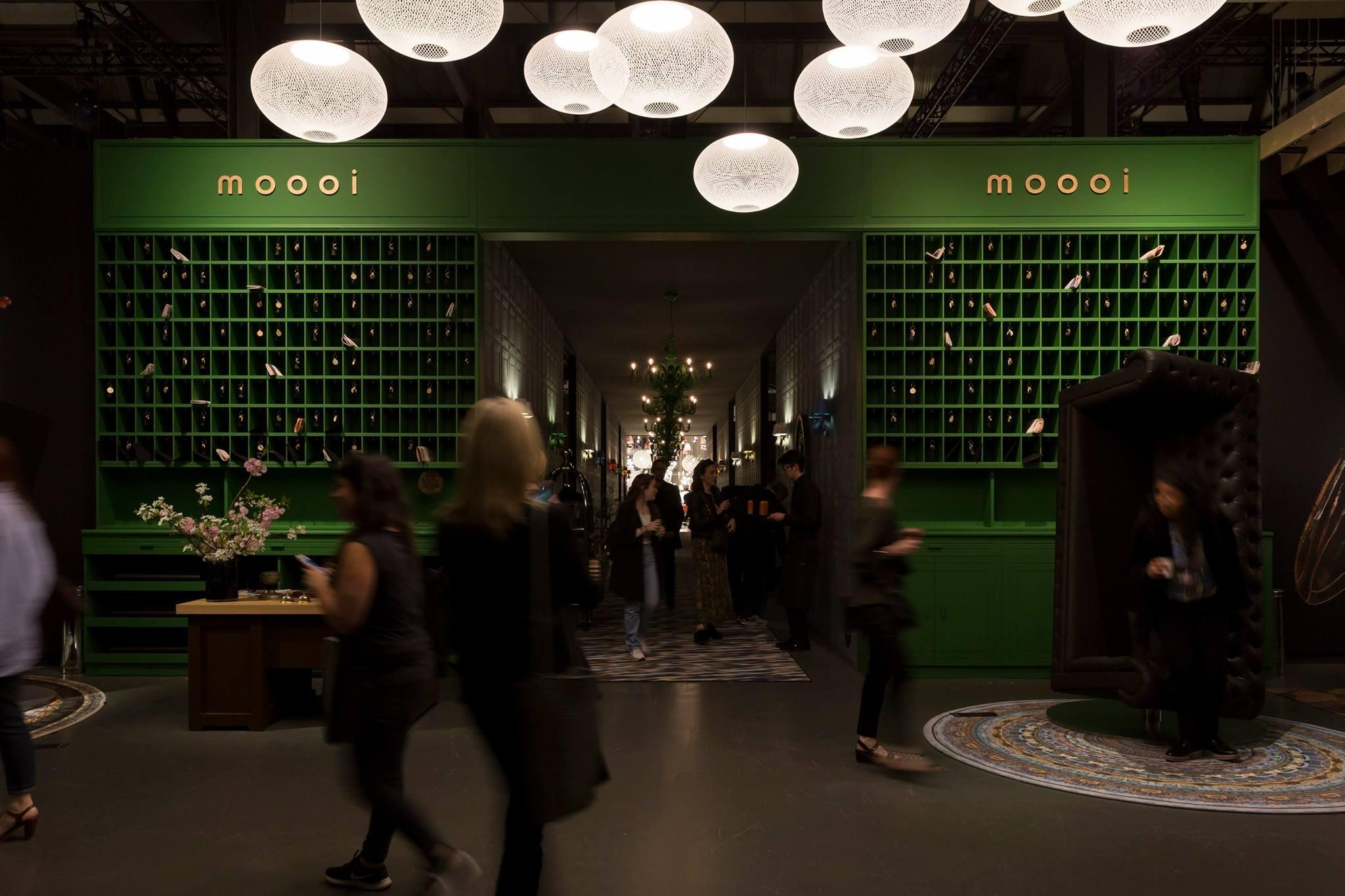 Ambientes Coloridos Foram Sinônimos de Sofisticação na Feira de Milão e na Expo Revestir 2017.