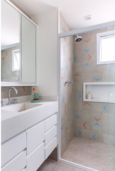 banheiro com ladrilho hidraulico no box duda senna