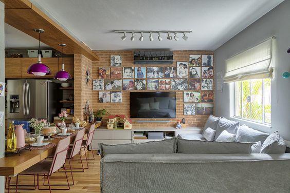 No projeto de Lu Raunaimer e Diego Verri, a tonalidade aparece como elemento de conexão entre a cozinha e a sala de estar.