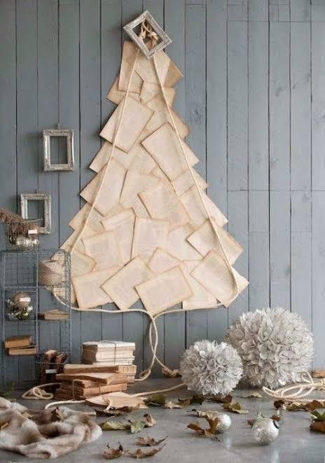 Árvore de Natal com folha de livros DIY