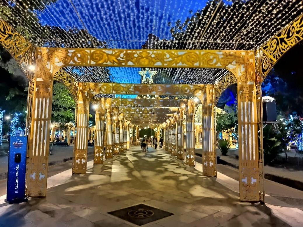 decoração natalina com Arcos Musical Iluminados